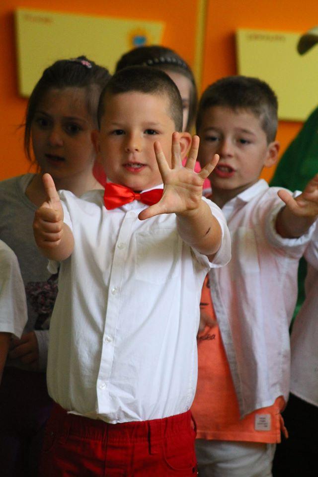 iliyan Dzhunev - Чао Чао Детска градина и здрайвей Училище